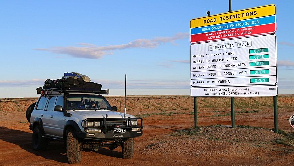 2015-07-SimpsonDesert-Cover